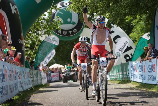 Tomáš Vokrouhlík vítězí