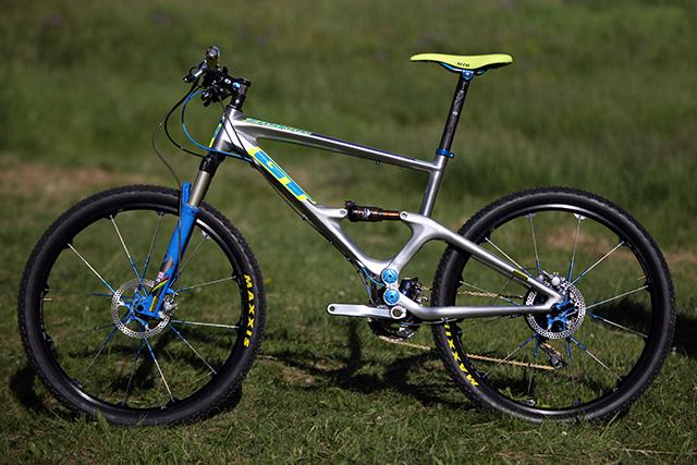 2012 Gt Zaskar 100 Carbon Expert Bike G 12 Zas100e Wht 6 Pictures to