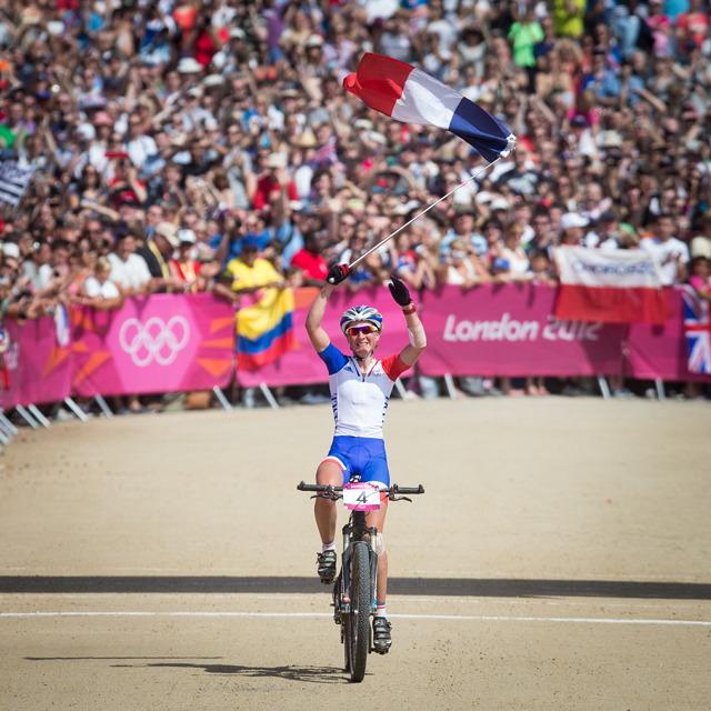 Julie Bresset vítězí v závodě MTB na Olympijských hrách 2012