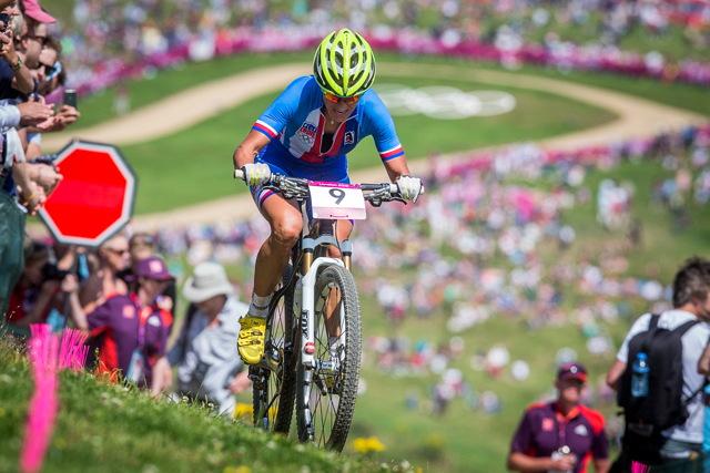 Kateřina Nash se pere s tratí na Olympijských hrách v Londýně 2012