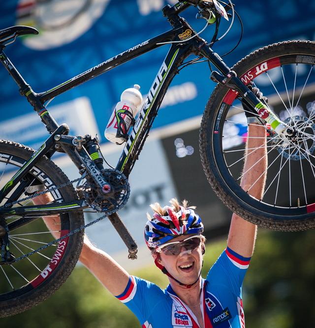 Ondřej Cink se stává mistrem světa na horských kolech v kategorii U23
