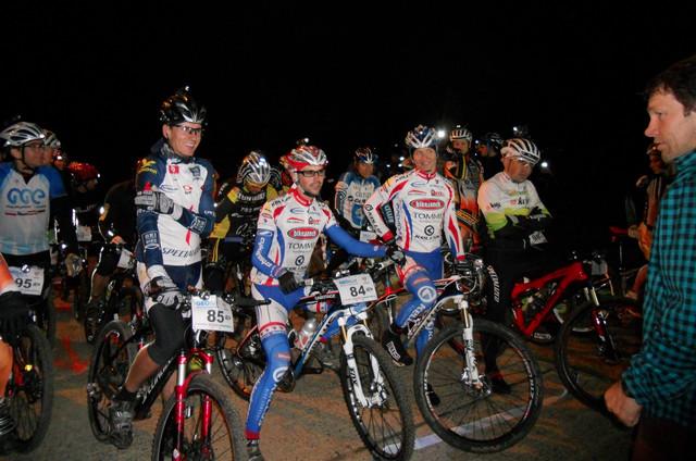 Trek Night MTB Series 2012 - před startem na Hostivařské přehradě