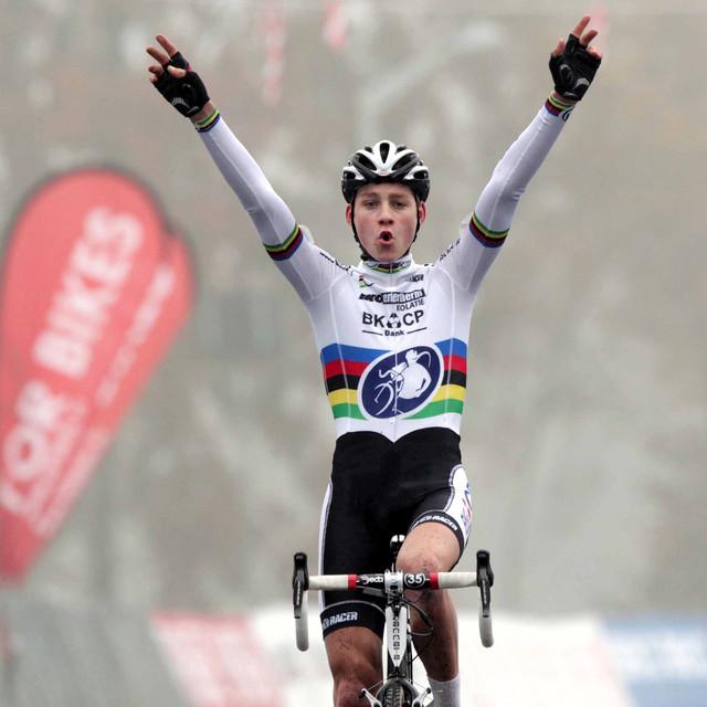 Mathieu van der Poel je zvyklý vítězit, takhle dojížděl v Táboře