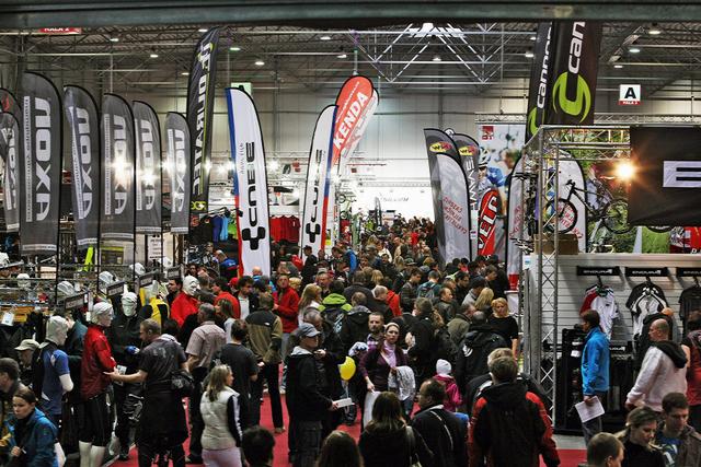 For Bikes 2012 - zejména v sobotu bylo v halách doslova narváno