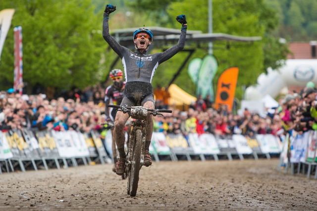 Daniel McConnell se stal překvapivým vítězem úvodního dílu Světového poháru bikerů v Albstadtu