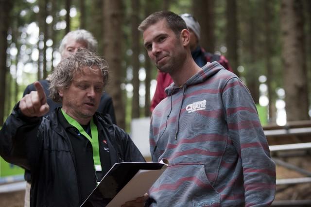 Pavel Brynych s Lukášem Vlachem na obhlídce trati