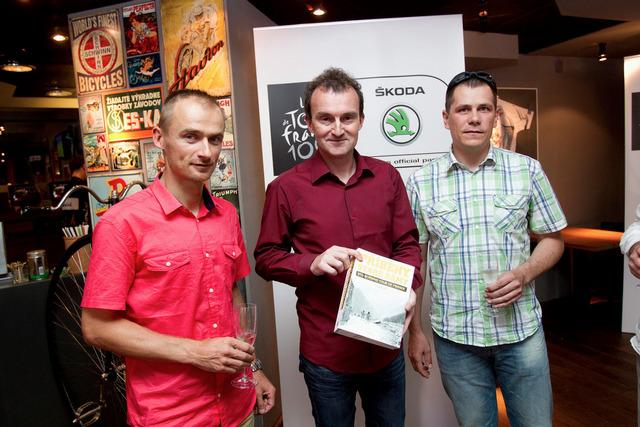 Tomáš Macek - autor knihy Příběhy Staré dámy - 100 ročníků Tour de France s cyklisty Janem Hruškou a Tomášem Konečným