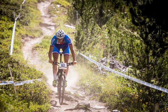 Kryštof Bogar na trati 4. závodu Světového poháru bikerů v Andoře