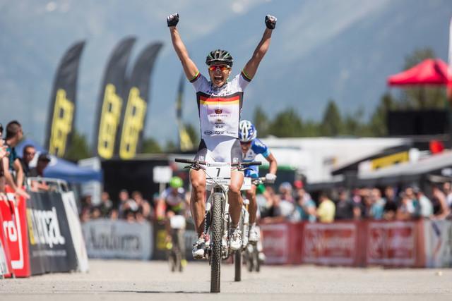 Sabine Spitz dokázala po zranění v Albstadtu zvítězit v závodě SP v Andoře