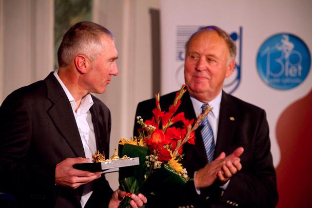 Král cyklistiky 2013 - Roman Kreuziger st. přebral cenu za syna Romana