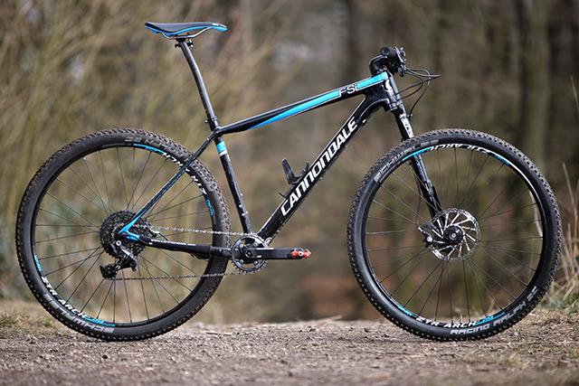 TEST  Cannondale F-Si Carbon 2 - Testy - Recenze - Bike Technika ... 406a5df7e27