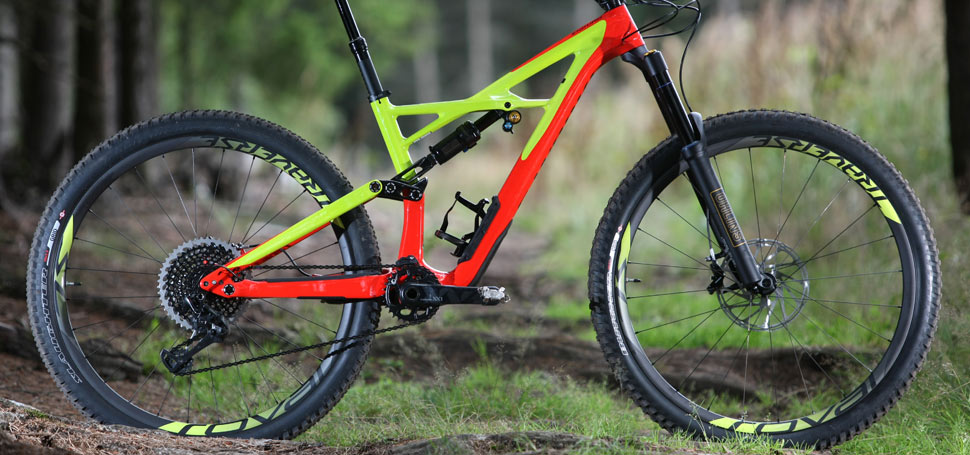 Fotogalerie: Specialized Enduro 2017