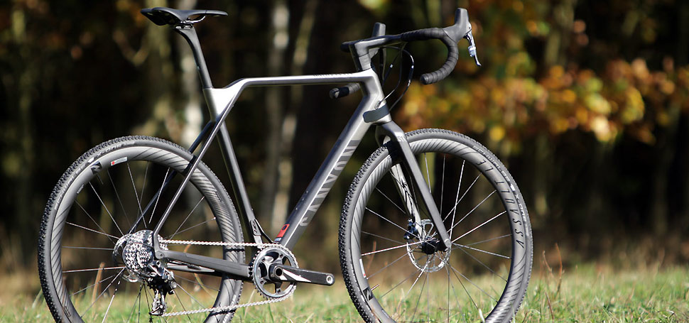 TEST: Canyon Inflite CF SLX 9.0 PRO Race