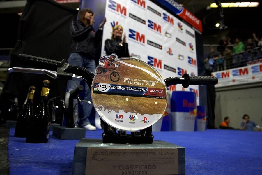 UCI BMX Supercross - Madrid 9.2. 2008 - cena pro v�t�ze