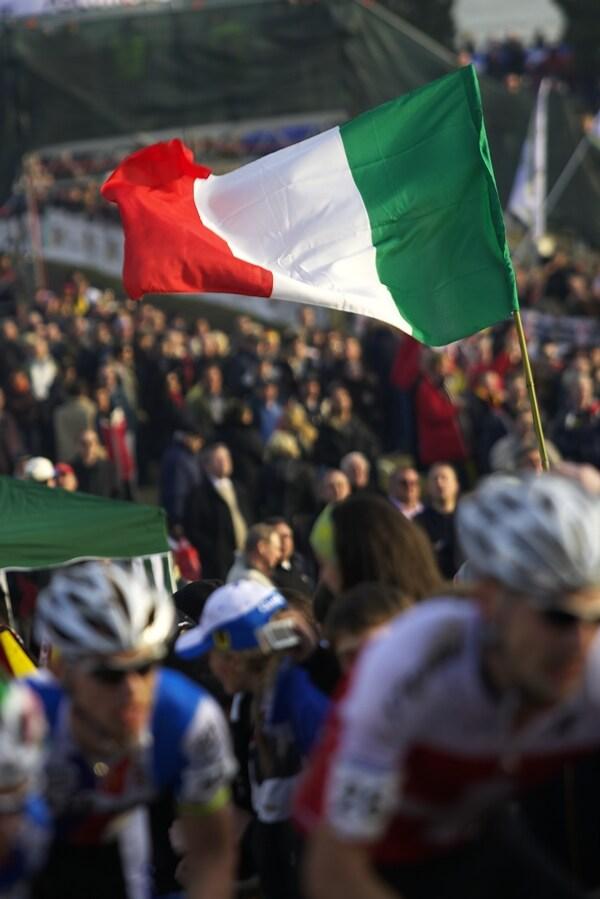 MS cyklokros 2008, Treviso - Itálie 27.1. - Italové šíleli, když jeli domácí borci