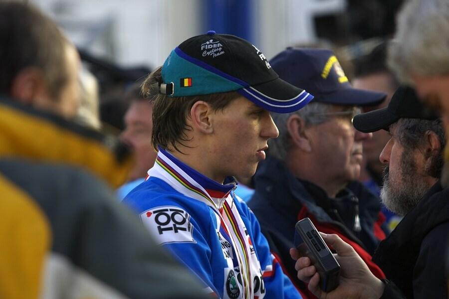 MS cyklokros 2008, Treviso - Itálie 27.1. - Na Zdeňka Štybara se okamžitě vrhli novináři