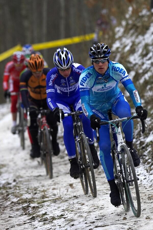 Mistrovstv� �R cyklokros, Mnichovo Hradi�t� 5.1. 2008 - vl��ek v prvn�m okruhu