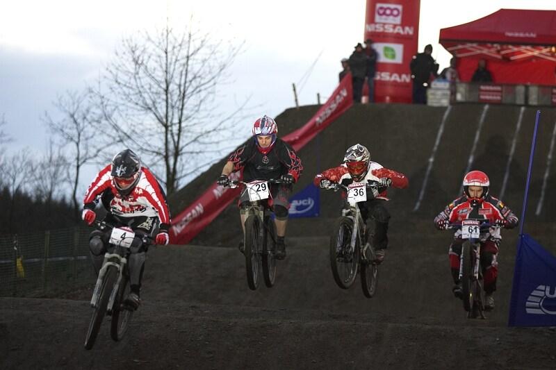 Nissan 4X Event - Houffalize 19.4.2008 - se st.č. 4 Jurg Meijer, bronzový medailista