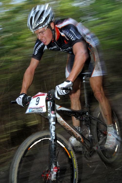 SP XC #1 2008 Houffalize - skv�le fini�uj�c� Jakob Fuglsang