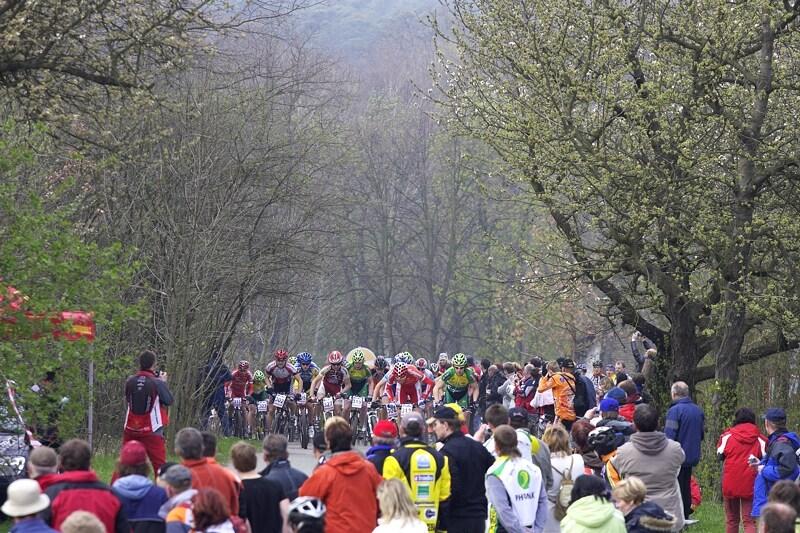 ČP XC #1 Pardubice 2008 - ani ranní kosa neodradila velký počet fanoušků
