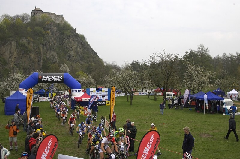 ČP XC #1 Pardubice 2008 - Hrad Kunětická Hora a závodiště, pěkné, pěkné!