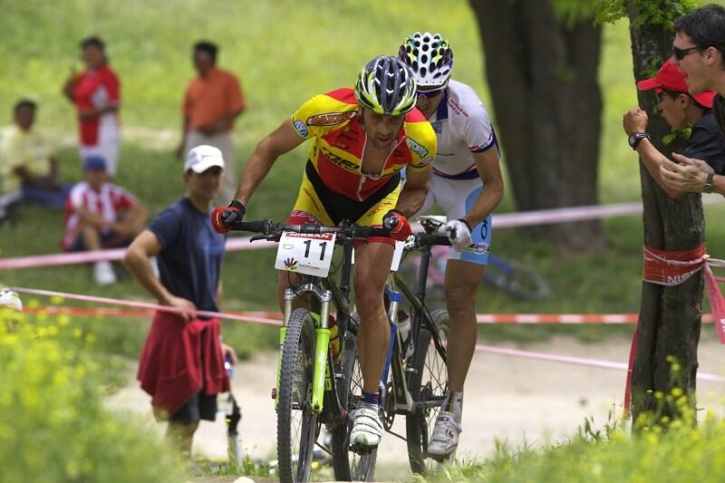 Nissan UCI MTB World Cup XC #3 - Madrid 4.5.'08 - Hermida se sna�� ujet Absalonovi