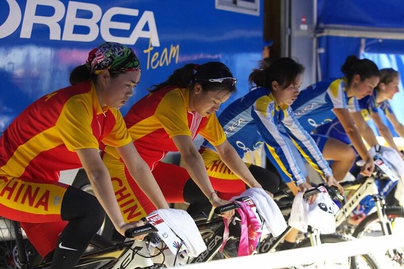 Nissan UCI MTB World Cup XC #3 - Madrid 4.5.'08 - Číňanky v Madridu neuspěly, jejich trenér brunátněl