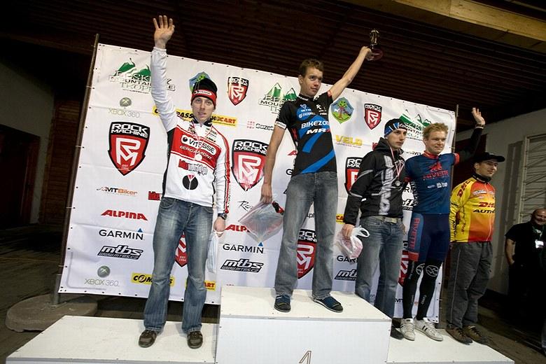 Beskidy MTB Trophy - Istebna, 1 etapa 22.5. 2008 - Radek Šíbl jako vítěz své kategorie, foto: Pawel/Magazin Rowerowy