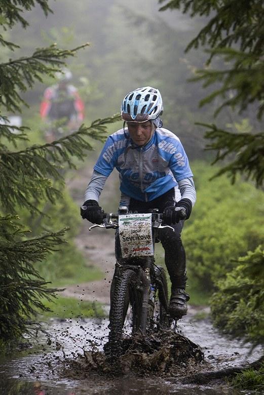Beskidy MTB Trophy - Istebna, 1 etapa 22.5. 2008 - Jana �ev��kov�, foto: Pawel/Magazin Rowerowy