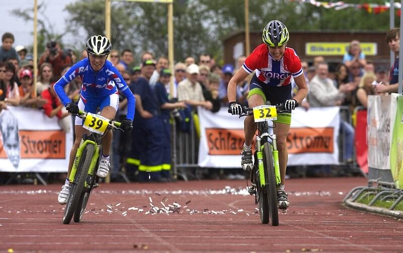 Mistrovství Evropy - 18.5.2008, St. Wendel/GER - spurt o druhé místo: 2. Kalentieva, 3. Dahle