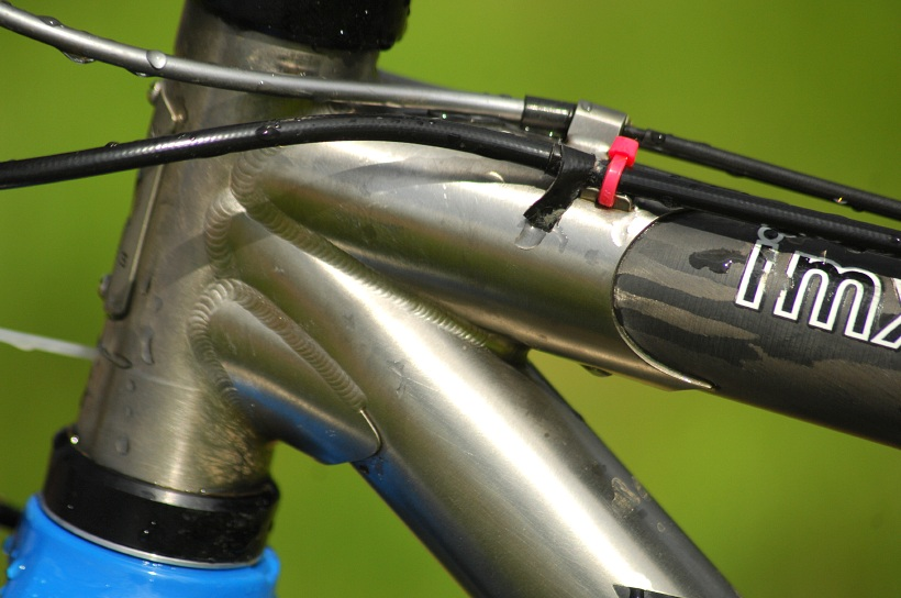Biky mistryň USA a Evropy: Titanovo-karbonový Seven IMX Američanky Mary McConneloug