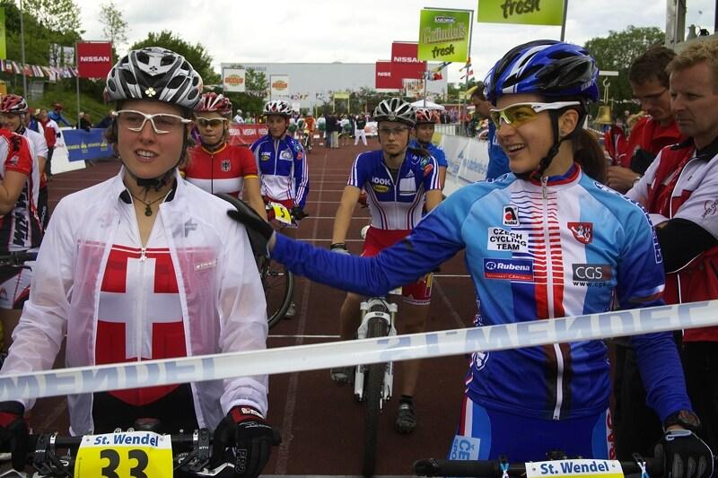 Mistrovství Evropy - 17.5.2008, St. Wendel/GER - srandičky před startem Tereza a Nathalie Schneitter