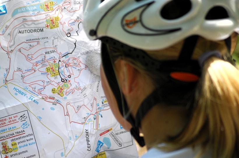 �P XCM #3 2008 - Specialized Extr�m Bike Most: namotan� tra�