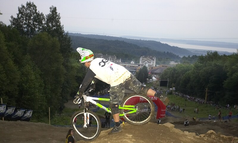 Nissan UCI MTB World Cup 4X#4 - Mont St. Anne, 26.7. 2008 - Cedric Gracia a jeho osma na předním kole