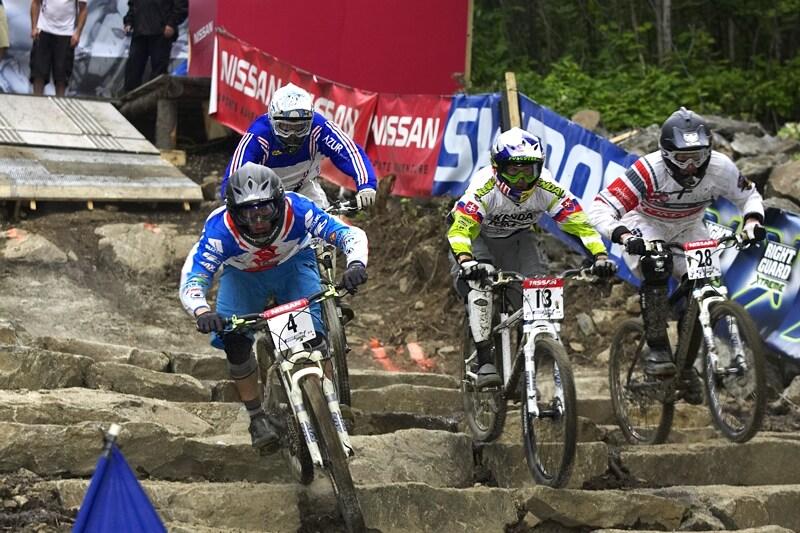 Nissan UCI MTB World Cup 4X#4 - Mont St. Anne, 26.7. 2008 - Kamil Tatarkovič v čele čtvrtfinále