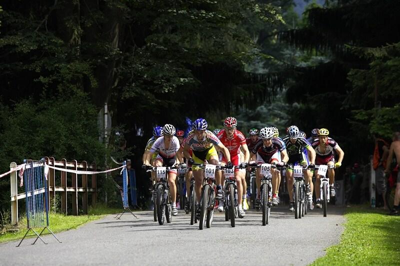 Mistrovství ČR XC - Velké Losiny 12.-13.7. 2008 - start mužů open