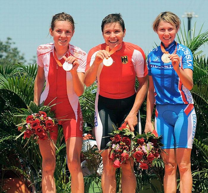 Olympijské hry 2008 - Peking - 1. Spitz, 2. Wloszczowska, 3. Kalentieva, foto: Rob Jones