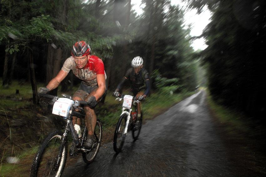 ČP XCM #5 2008 - Giant eXtreme Bike Brdy: Pavel Boudný a Jan Jobánek na 6. respektive 7. místě