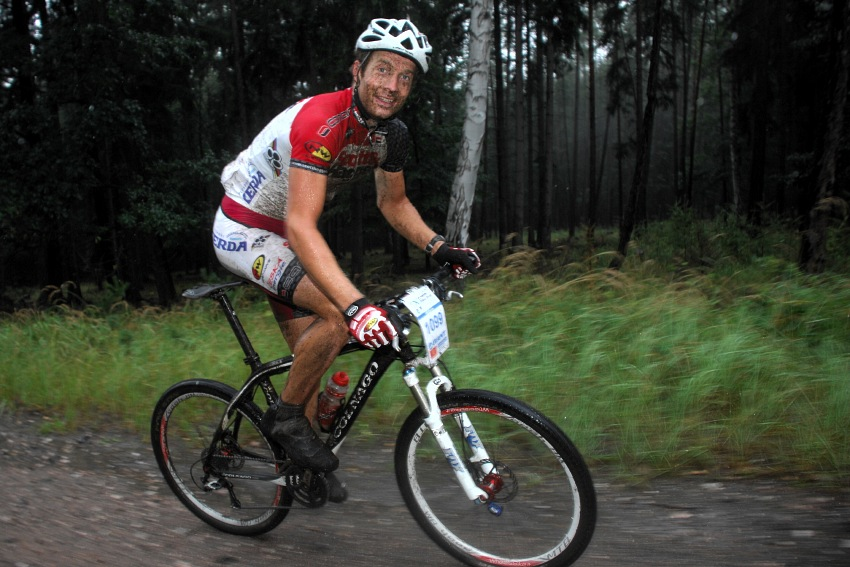 �P XCM #5 2008 - Giant eXtreme Bike Brdy: Kristi�n Hynek si jel pohodi�ku na kr�tk�...