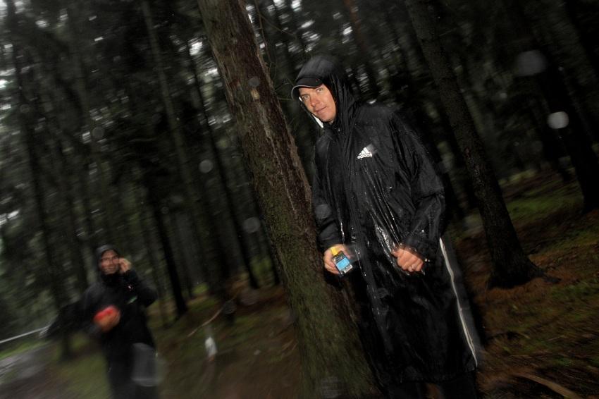 ČP XCM #5 2008 - Giant eXtreme Bike Brdy: Radim Kořínek a Lukáš Vlach připraveni občerstvit své závodníky