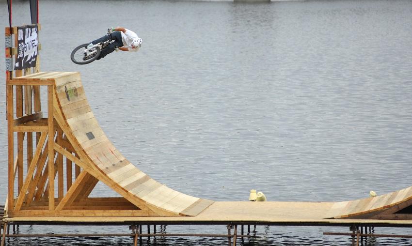 XBox 360 Slopestyle P�sek '08 - vodn� sekce