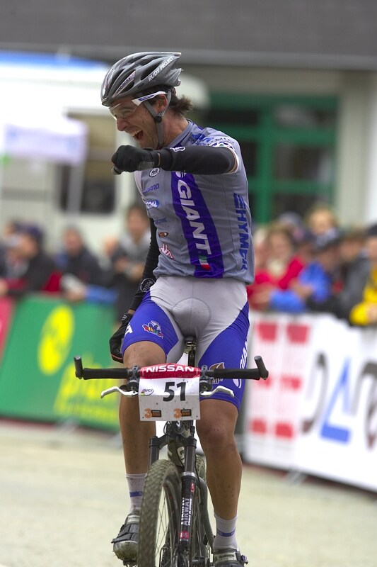 Nissan UCI MTB World Cup XC #9 - Schladming 14.9. 2008 - I Gutierrez m�l velkou radost