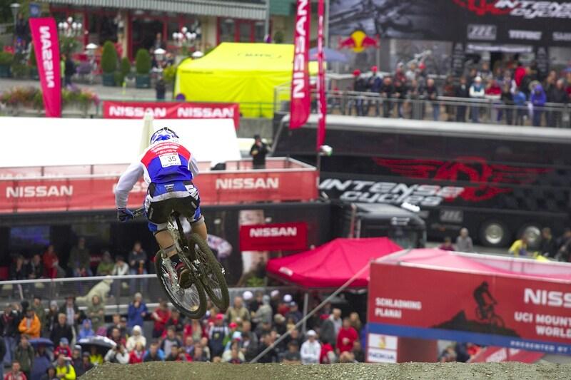 Nissan UCI MTB World Cup DH #7, Schladming 13.9. 2009 - Adam Vágner skákal do cíle po zkušenostech z Val di Sole o něco opatrněji