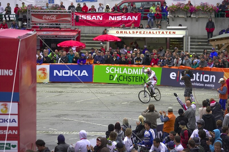 Nissan UCI MTB World Cup DH #7, Schladming 13.9. 2009 - Steve Peat v cíli