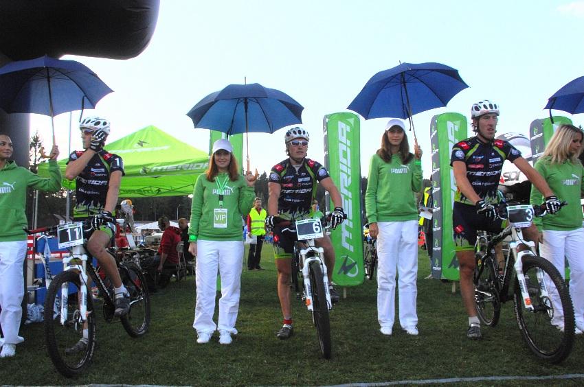 Merida Bike Vysočina '08 - sprint: jeden musí z kola ven...