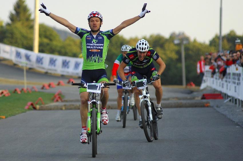 Merida Bike Vysočina '08 - sprint: Ralph Naef v pohodě vítězí