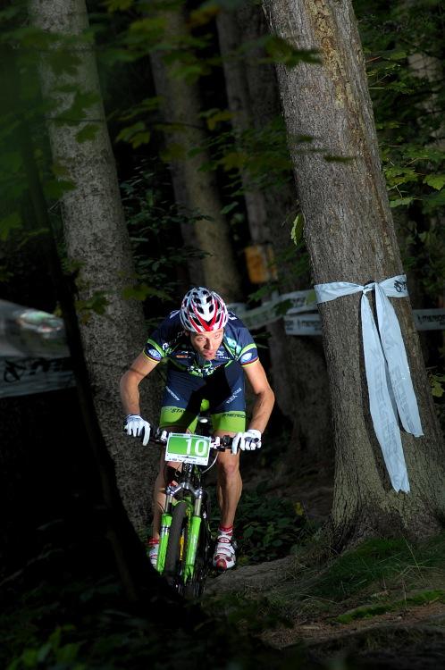 Merida Bike Vysočína '08 - XC: Naef volil nejrychlejší - přímou stopu. Kořen nekořen.