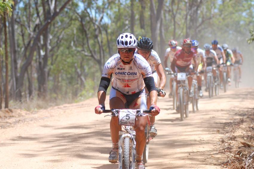 Crocodile Trophy 2008 - Ivan Rybařík na špici dnešní etapy