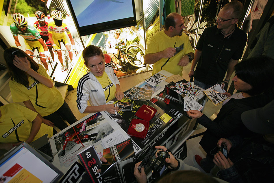 Sport Life 2008 Faces: Maja taktéž podepisovala