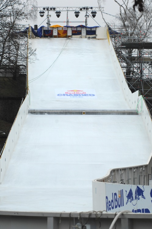Red Bull Crashed Ice - Vy�ehrad 2009: startovac� rampa